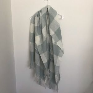 Light blue and white scarf/wrap
